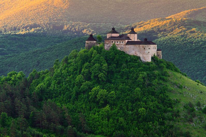 Pod hladinou - hrad Krásna Hôrka